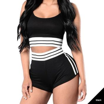Hot Sale Summer Women Fitness Set Sports Bra Shorts 2 Pieces Female Gym Workout Fitiness Set Striped Outerwear Set Tracksuits