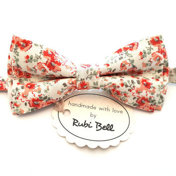White Floral Bow Tie - White Bow Tie With Poppy Flowers - Mens Bow Tie - Groomsman Bow Tie - Pre Tied Bow Tie - Wedding Tie - Pocket Square