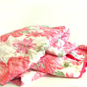 vintage pink and white floral blanket bedspread / king or queen size / reversible