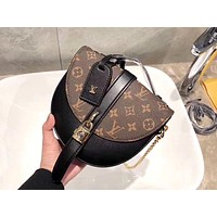 LV CHANTILLY 2019 new female models wild classic old flower saddle bag shoulder portable Messenger bag Black