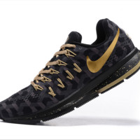 NIKE fashion casual breathable running shoes Black gold