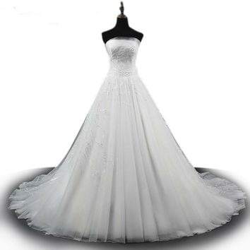 White Lace Romantic Wedding Dresses Strapless Bridal Ball Gown Lace Embroidering