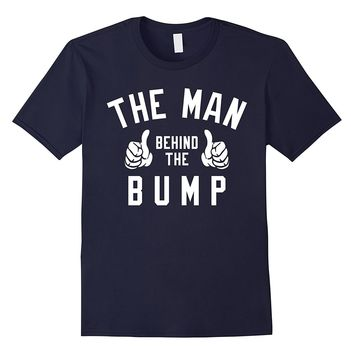 Men's The Man Behind The Bump Men's T-Shirt - New Father Pregnancy