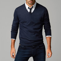 V-NECK SWEATER - Essentials - MEN - United States of America / Estados Unidos de América