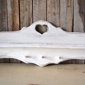 Vintage White Heart Cutout Wooden Jewelry or Key Hanger / Shelf