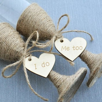 Rustic Wedding Toasting Glasses with Twine, Rustic Champagne Flutes, Bride and Groom Glasses, wedding glasses Set engraved heart