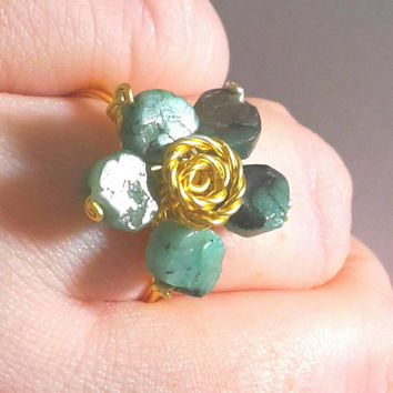 Emerald Ring, Natural Emerald Ring, Gold Emerald Ring, Emerald Flower Ring, rough emerald, raw emerald ring, Handmade jewelry, Emerald Green