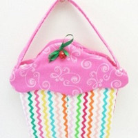 pink frosting on pretty rick rack cupcake purse cup215