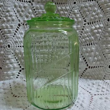 Charmant Hocking Transparent Green Canister With Glass Lid Vintage Kitche