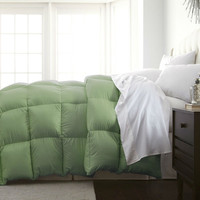 Full / Queen Size Sage Green Down Alternative Polyester Comforter