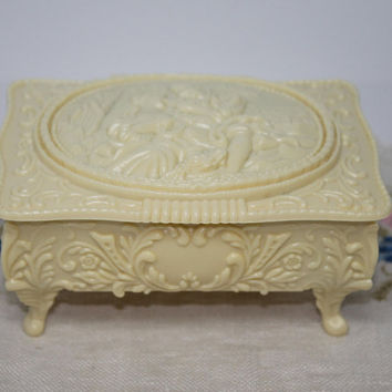 Cream Plastic Lovers Relief Scene Footed Jewelry Trinket Box Hinged Lid with Mirror