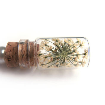 Queen Anne Lace Flowers Glass Bottle Necklace - Flowers in Glass Vial -  Pressed Flower Jewelry - Glass Bottle Pendant -  Botanical Jewelry