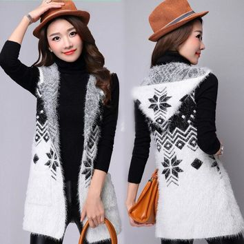 The new women's autumn fashion hippocampus wool cardigan jacket and long sections loose knit hooded vest TB0813