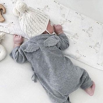 Cute Back Wings Baby Rompers Long Sleeve Gray White Cotton Kids Boy Girls Romper Jumpsuit Infant Baby Autumn Clothes Outfits