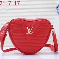 LV 2019 early spring new NEW WAVE HEART pockets diagonal package Red