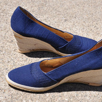 70s navy blue canvas rope wedges / vintage 1970s natural summer fabric shoes / Nautical Espadrilles 7.5