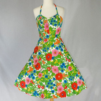 Vintage 1960s Pin-up Halter Sun Dress Beautiful Hawaiian Floral Print VLV Tiki Oasis L