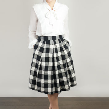 9 to Fab Plaid Midi Skirt in Black