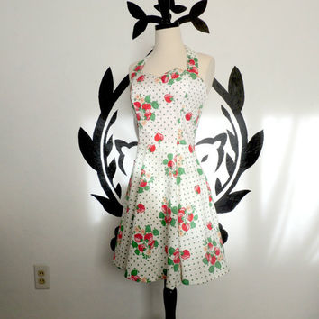 Strawberry Sweetheart - Fifties Style Rockabilly Dress Red Green Polka Dots Sweetheart Neckline