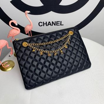 Kuyou Gb99822 Chan Black Pouches In Quilted Lambskin With Metal Chain 30x20cm