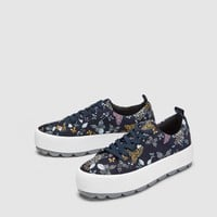 BUTTERFLY PRINT PLIMSOLLS DETAILS