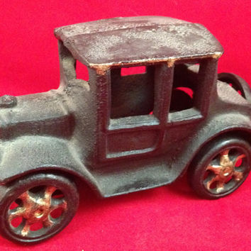 Antique Cast Iron Ford Model T Toy Car