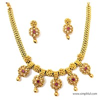 Traditional Flower Pendant Choker Necklace and Earring set