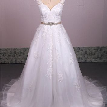 New Design beautiful Women Lace Wedding Dress See Through Back Bridal Gowns