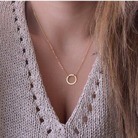 Women's Simple Fashion Ring Circle Pendant Short Alloy Necklace