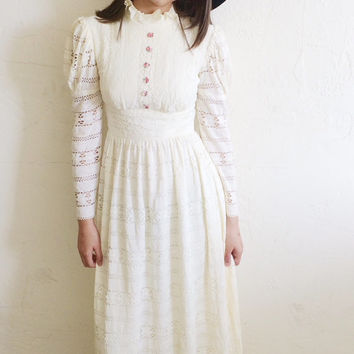 Vintage 60's Cream Lace High Ruffled Collar Victorian Style Maxi/Wedding Dress S
