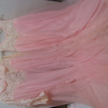Old Hollywood Glamour Full and Flowing Peach Ivory Lace Peignoir Set Long Robe Negligee Nightgown Bridal Honeymoon Lingerie OOAK