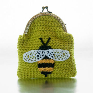 Crocheted Coin Purse, Chartreuse Green Yarn, Crocheted Bumble Bee Applique, Black and yellow bee, Kisslock, makeup bag, wallet, Mothers Day