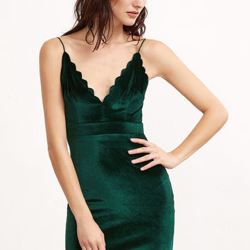 Green Scallop Deep V Neck Velvet Cami Bodycon Dress | MakeMeChic.COM