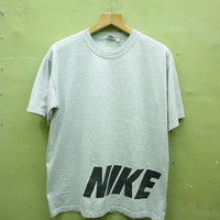 Vintage 90s Nike Shirt Big Logo Sport Wear Street Wear Hip hop Top Tee Grey T Shirt Size L