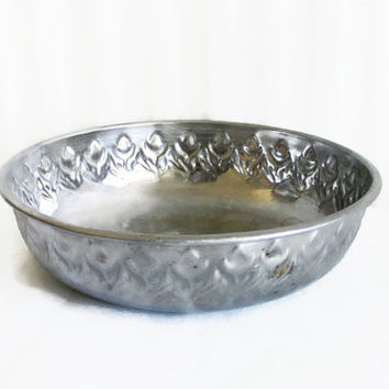 Oriental Turkish BATH HOUSE rostfrei metal BOWL ornate Bathroom accessories holder, Bath, Home decor, container, rustic silvertone porringer