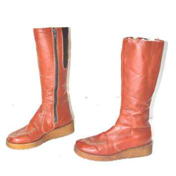 size 8.5 BOHO winter boots vintage 70s 1970s TALL knee high caramel leather INSULATED retro hippie moccosin snow boots