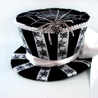 The Black & White Widow Spider and Web Mini by angelyques on Etsy