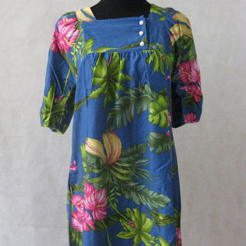 5af6e4c8 70s Hawaiian Floral Dress, Vintage Hilo Hattie Hibiscus Flower P