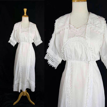 Antique Edwardian Tea Gown Vintage Dream Dress with Tiny Pom-pom Trim!