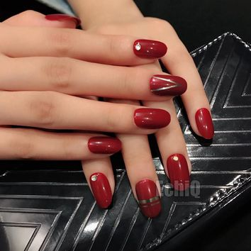 Charming Red Fake Nail with Silver Matellic Line 28pcs/set Acrylic Full Cover False Nails Small Round Nail Art for Fashion Girls