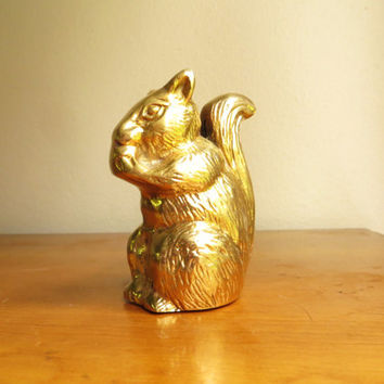 Vintage Brass Squirrel Figurine, Squirrel Statue, Woodland Animal Collectible, Paperweight