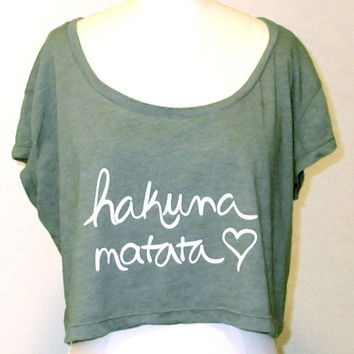 Crop Top Hakuna Matata Cropped Shirt by KindLabel on Etsy