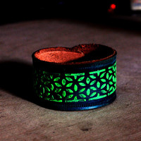 Glowing jewelry teal and green leather braclelet glowing bracelet