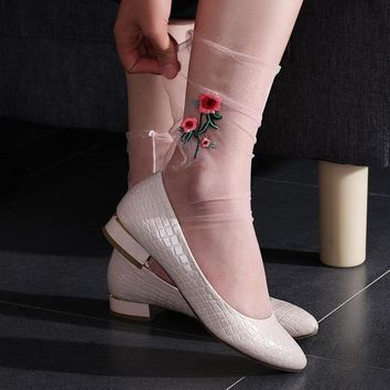 DCCKL3Z 1 Pair Hot Fashion New Style Women Ultrathin Sheer Embroider Rose Flowers Fishnet Socks Breathable Mesh Summer Hosiery