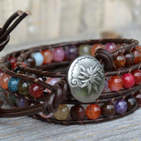 Beaded leather wrap bracelet - Bohemian chic - Multicolor agate beads on leather - Sparkly boho glam