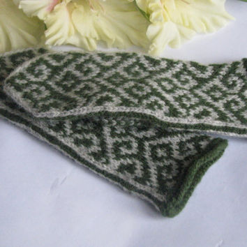 Mittens for a little boy, Hand knitted wool mittens, latvian mittens, knitted patterned mittens, knitted wool gloves, arm warmer, hand made