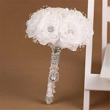 Elegant Bridesmaid Flower Wedding Bouquet Artificial Buquet de noivas Handmade White Beaded Bridal Bouquets Brooch