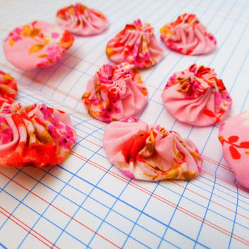 Quilting yo-yos, fabric yo-yos, floral fabric, sewing yo-yos, pink fabric yo yos,  ready to ship, handmade, cotton fabric, sewing notions