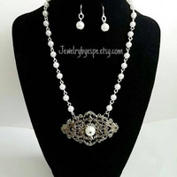 White Pearl Statement Necklace,Silver Pendant Necklace,Bridesmaid Jewelry Set,Pearl Bib Necklace