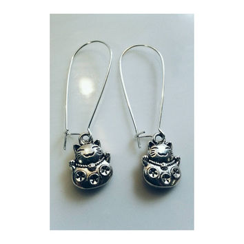 Silver Lucky Cat Earrings- Maneki Neko- Fortune Cat